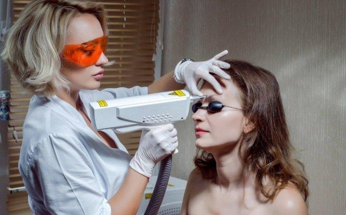 Как удалить татуаж бровей в домашних условиях
